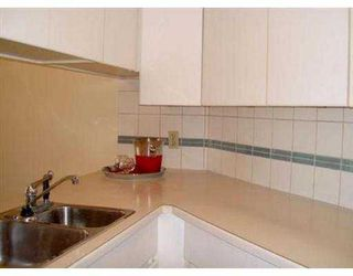 "Photo 6: 204 943 W 8TH AV in Vancouver: Fairview VW Condo for sale in ""SOUTHPORT"" (Vancouver West)  : MLS®# V536722"