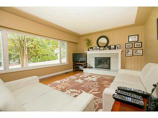 Photo 4: 1552 MARINE Crescent in Coquitlam: Harbour Place House for sale : MLS®# V1139955