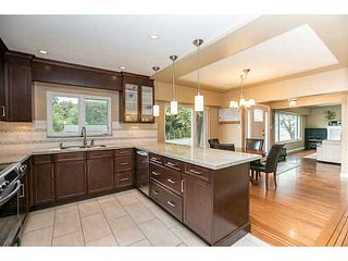 Photo 8: 1552 MARINE Crescent in Coquitlam: Harbour Place House for sale : MLS®# V1139955