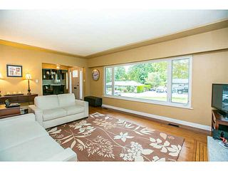 Photo 2: 1552 MARINE Crescent in Coquitlam: Harbour Place House for sale : MLS®# V1139955
