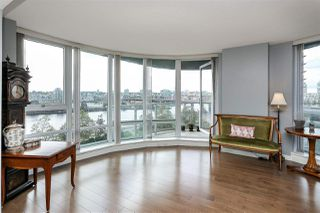"Photo 2: 806 918 COOPERAGE Way in Vancouver: Yaletown Condo for sale in ""THE MARINER"" (Vancouver West)  : MLS®# R2000227"