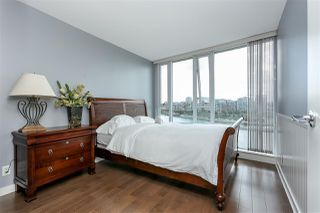 "Photo 10: 806 918 COOPERAGE Way in Vancouver: Yaletown Condo for sale in ""THE MARINER"" (Vancouver West)  : MLS®# R2000227"