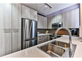 """Photo 8: 14 19433 68 Avenue in Surrey: Clayton Townhouse for sale in """"The Grove"""" (Cloverdale)  : MLS®# R2046626"""