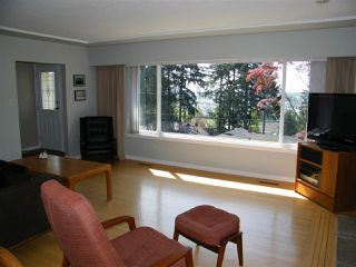 Photo 5: 5621 KEITH Street in Burnaby: South Slope House for sale (Burnaby South)  : MLS®# R2059166