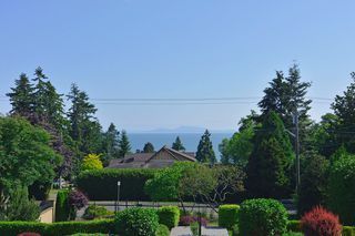 Photo 17: 13341 MARINE Drive in Surrey: Crescent Bch Ocean Pk. House for sale (South Surrey White Rock)  : MLS®# R2073258