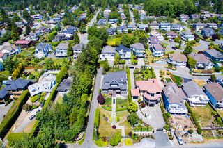 Photo 45: 13341 MARINE Drive in Surrey: Crescent Bch Ocean Pk. House for sale (South Surrey White Rock)  : MLS®# R2073258