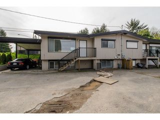 Photo 1: 2317 - 2319 SOUTHDALE Crescent in Abbotsford: Abbotsford West House Duplex for sale : MLS®# R2080109
