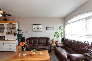 "Photo 9: 315 6336 197 Street in Langley: Willoughby Heights Condo for sale in ""Rockport"" : MLS®# R2122870"