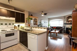 "Photo 4: 315 6336 197 Street in Langley: Willoughby Heights Condo for sale in ""Rockport"" : MLS®# R2122870"