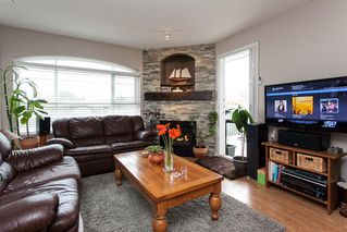 "Photo 3: 315 6336 197 Street in Langley: Willoughby Heights Condo for sale in ""Rockport"" : MLS®# R2122870"