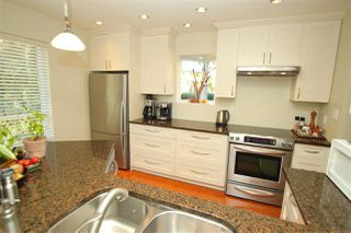 "Photo 6: 412 1215 LANSDOWNE Drive in Coquitlam: Upper Eagle Ridge Townhouse for sale in ""SUNRIDGE ESTATES"" : MLS®# R2126165"