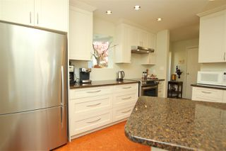 "Photo 2: 412 1215 LANSDOWNE Drive in Coquitlam: Upper Eagle Ridge Townhouse for sale in ""SUNRIDGE ESTATES"" : MLS®# R2126165"