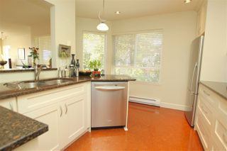 "Photo 5: 412 1215 LANSDOWNE Drive in Coquitlam: Upper Eagle Ridge Townhouse for sale in ""SUNRIDGE ESTATES"" : MLS®# R2126165"