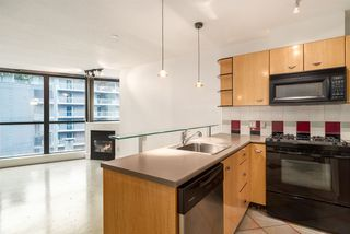 Photo 9: 606 501 PACIFIC Street in Vancouver: Downtown VW Condo for sale (Vancouver West)  : MLS®# R2143098