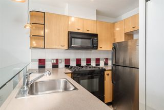 Photo 8: 606 501 PACIFIC Street in Vancouver: Downtown VW Condo for sale (Vancouver West)  : MLS®# R2143098