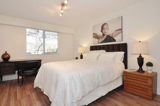 "Photo 8: 111 270 W 3RD Street in North Vancouver: Lower Lonsdale Condo for sale in ""HAMPTON COURT"" : MLS®# R2151454"