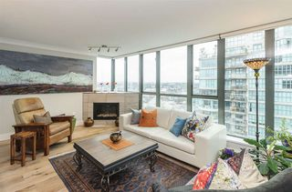 "Photo 6: 2201 1088 QUEBEC Street in Vancouver: Mount Pleasant VE Condo for sale in ""VICEROY"" (Vancouver East)  : MLS®# R2153217"