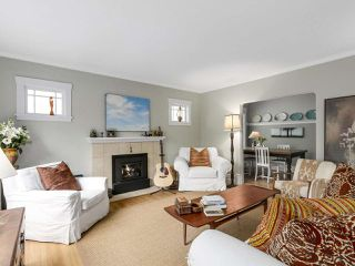 "Photo 2: 4855 COLLINGWOOD Street in Vancouver: Dunbar House for sale in ""Dunbar"" (Vancouver West)  : MLS®# R2155905"