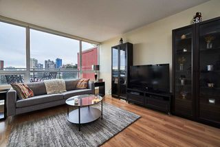 "Photo 5: 505 125 COLUMBIA Street in New Westminster: Downtown NW Condo for sale in ""NORTHBANK"" : MLS®# R2158737"