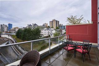 "Photo 14: 505 125 COLUMBIA Street in New Westminster: Downtown NW Condo for sale in ""NORTHBANK"" : MLS®# R2158737"
