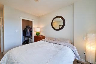 "Photo 9: 505 125 COLUMBIA Street in New Westminster: Downtown NW Condo for sale in ""NORTHBANK"" : MLS®# R2158737"