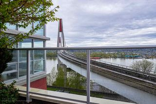 "Photo 11: 505 125 COLUMBIA Street in New Westminster: Downtown NW Condo for sale in ""NORTHBANK"" : MLS®# R2158737"