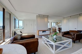 """Photo 5: 1106 2445 W 3RD Avenue in Vancouver: Kitsilano Condo for sale in """"Carriage House"""" (Vancouver West)  : MLS®# R2163748"""