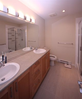 Photo 7: 225 3105 DAYANEE SPRINGS BL BOULEVARD in Coquitlam: Westwood Plateau Townhouse for sale : MLS®# R2138549