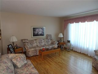 Photo 9: 143 HAMMOND Road in Regina: Coronation Park Residential for sale : MLS®# SK615009