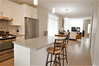 """Photo 10: 38364 SUMMITS VIEW Drive in Squamish: Downtown SQ Townhouse for sale in """"FALLS AT EAGLEWIND"""" : MLS®# R2189614"""