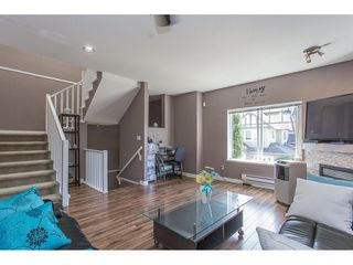"Photo 5: 43 18181 68 Avenue in Surrey: Cloverdale BC Townhouse for sale in ""THE MAGNOLIA"" (Cloverdale)  : MLS®# R2191663"
