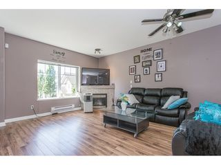 "Photo 3: 43 18181 68 Avenue in Surrey: Cloverdale BC Townhouse for sale in ""THE MAGNOLIA"" (Cloverdale)  : MLS®# R2191663"