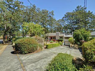 Photo 16: 945 FOUL BAY Road in VICTORIA: OB South Oak Bay Single Family Detached for sale (Oak Bay)  : MLS®# 381771