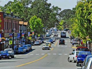 Photo 18: 945 FOUL BAY Road in VICTORIA: OB South Oak Bay Single Family Detached for sale (Oak Bay)  : MLS®# 381771
