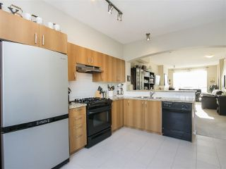 """Photo 5: 127 9133 GOVERNMENT Street in Burnaby: Government Road Townhouse for sale in """"TERRAMOR"""" (Burnaby North)  : MLS®# R2220437"""