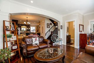 Photo 2: 19133 67A Avenue in Surrey: Clayton House for sale (Cloverdale)  : MLS®# R2248504