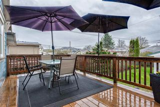 Photo 11: 1186 E 54TH Avenue in Vancouver: South Vancouver House for sale (Vancouver East)  : MLS®# R2257322