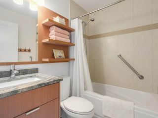"Photo 11: 4 249 W 16TH Street in North Vancouver: Central Lonsdale 1/2 Duplex for sale in ""THE WEST"" : MLS®# R2262955"