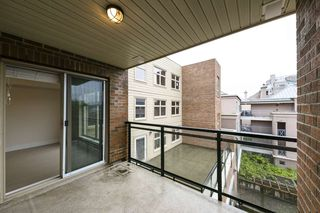 "Photo 14: 301 2408 E BROADWAY Street in Vancouver: Renfrew VE Condo for sale in ""Broadway Crossing"" (Vancouver East)  : MLS®# R2279075"