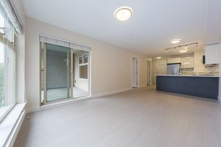 "Photo 11: 301 2408 E BROADWAY Street in Vancouver: Renfrew VE Condo for sale in ""Broadway Crossing"" (Vancouver East)  : MLS®# R2279075"