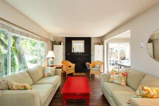 "Photo 5: 4857 55B Street in Delta: Hawthorne Townhouse for sale in ""Chestnut Gardens"" (Ladner)  : MLS®# R2310613"