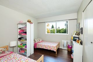 "Photo 15: 4857 55B Street in Delta: Hawthorne Townhouse for sale in ""Chestnut Gardens"" (Ladner)  : MLS®# R2310613"