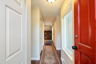 "Photo 2: 4857 55B Street in Delta: Hawthorne Townhouse for sale in ""Chestnut Gardens"" (Ladner)  : MLS®# R2310613"