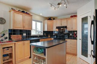 Photo 9: 131 PRESTWICK Drive SE in Calgary: McKenzie Towne Detached for sale : MLS®# C4210420