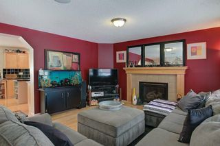 Photo 5: 131 PRESTWICK Drive SE in Calgary: McKenzie Towne Detached for sale : MLS®# C4210420