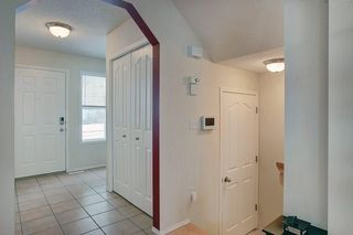 Photo 7: 131 PRESTWICK Drive SE in Calgary: McKenzie Towne Detached for sale : MLS®# C4210420