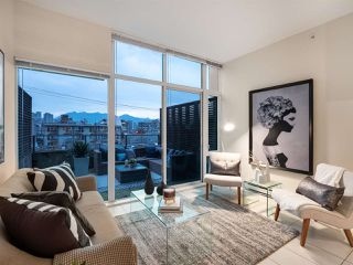 "Main Photo: 206 522 W 8TH Avenue in Vancouver: Fairview VW Condo for sale in ""Crossroads"" (Vancouver West)  : MLS®# R2327794"