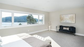 Photo 11: 969 BEACHVIEW Drive in North Vancouver: Dollarton House for sale : MLS®# R2344598