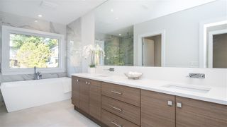 Photo 12: 969 BEACHVIEW Drive in North Vancouver: Dollarton House for sale : MLS®# R2344598