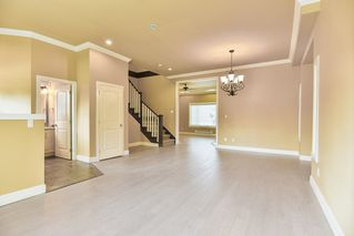 Photo 3: 19421 72ND Avenue in Surrey: Clayton House for sale (Cloverdale)  : MLS®# R2347162